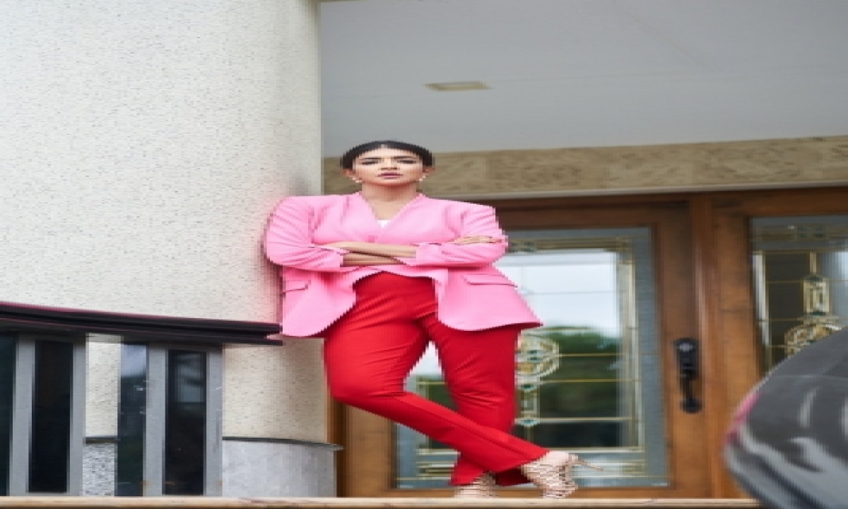 Lakshmi Manchu: I Love Travelling For Food-TeluguStop.com