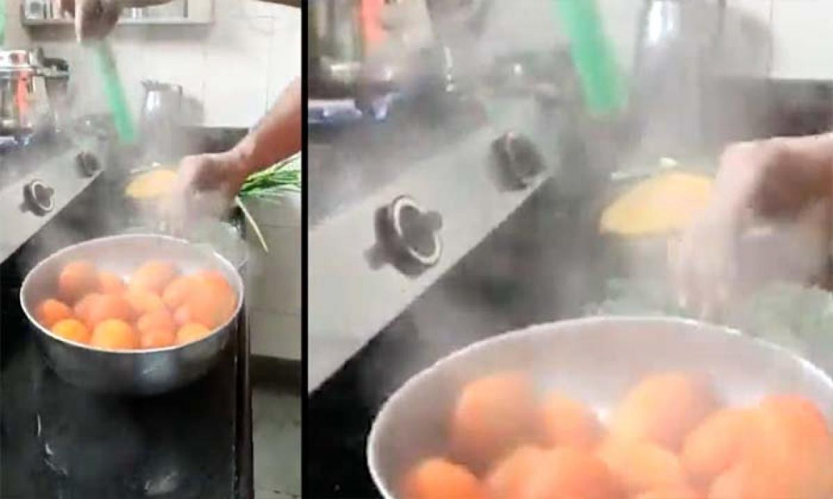 Pressure Cooker Steam Vegetables Covid Viral-కుక్కరు ఆవిరితో కరోనాకు చెక్-General-Telugu-Telugu Tollywood Photo Image-TeluguStop.com