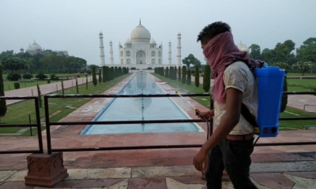 Monuments Dwarfed By Encroachments-TeluguStop.com