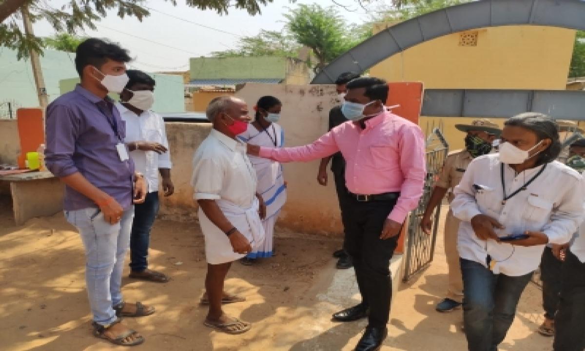 Mptc, Zptc Polls Underway In Andhra After Hc Nod-TeluguStop.com