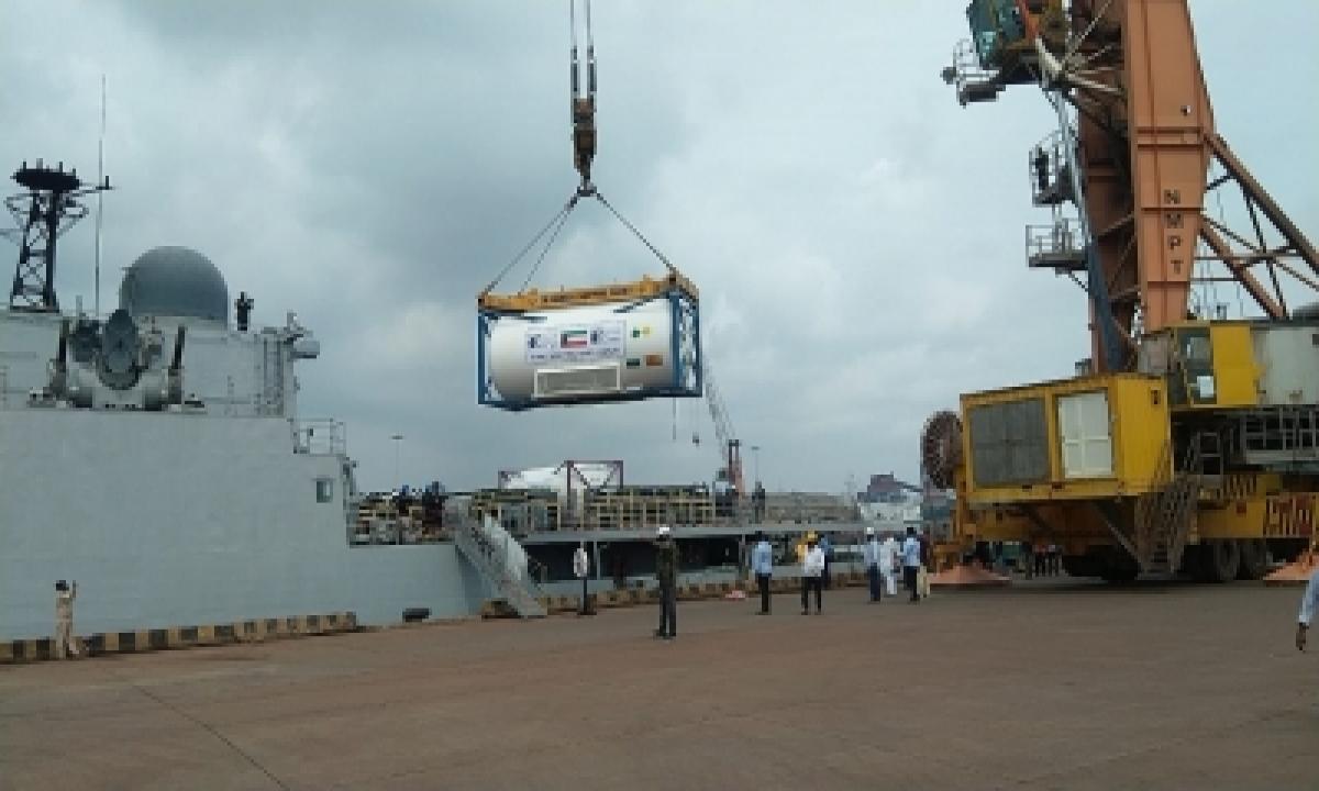 Naval Dockyard Vizag Repairs Two Oxygen Plants In Andhra-TeluguStop.com