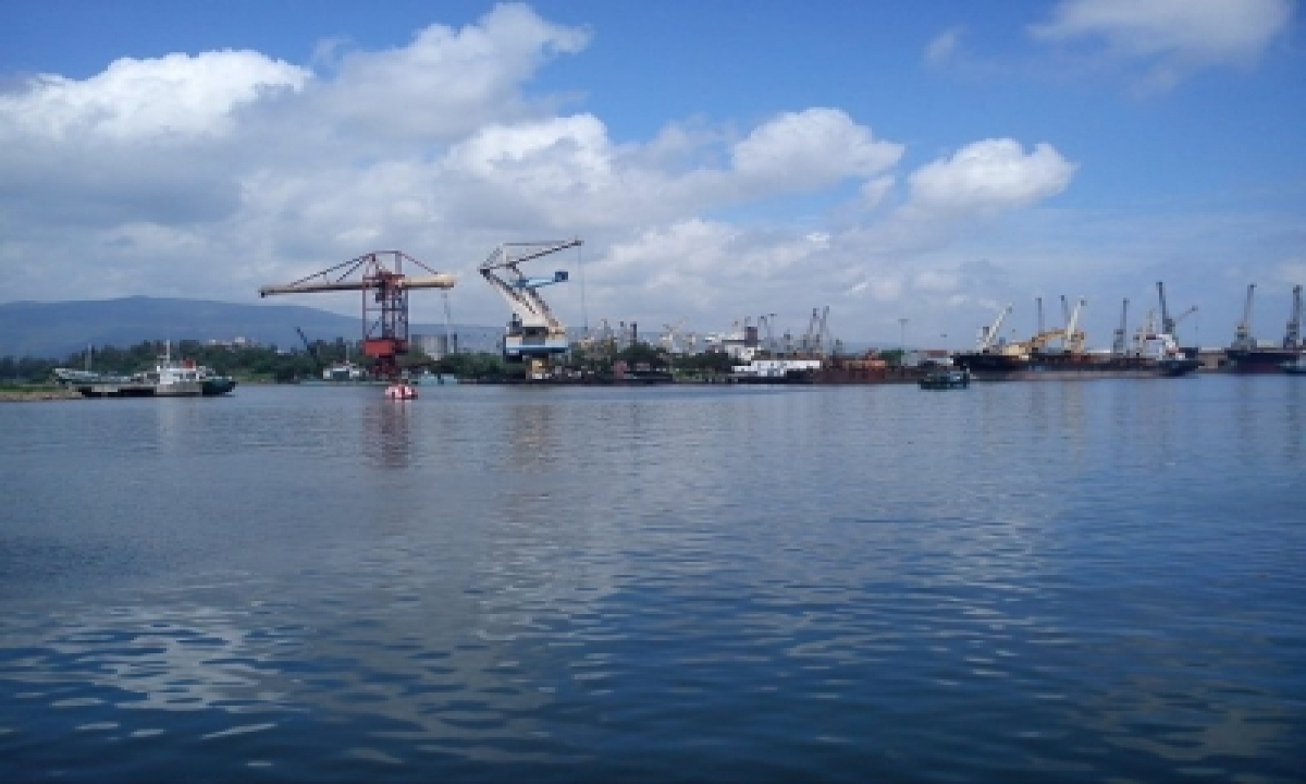 Ndc Study Team Interacts With Visakhapatnam Port Trust Officials-TeluguStop.com