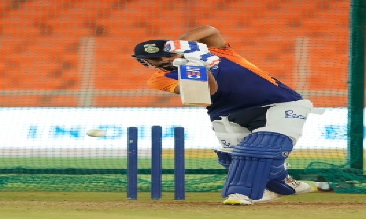 Need To Bat Better In Middle Overs: Rohit Sharma-TeluguStop.com