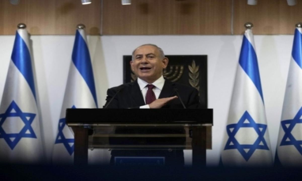 Netanyahu Back In Court As Corruption Trial Resumes-TeluguStop.com