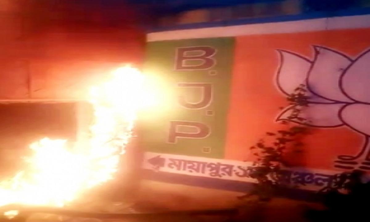 NHRC Team Probing Post-poll Violence Attacked In Kolkata-Crime News English-Telugu Tollywood Photo Image-TeluguStop.com