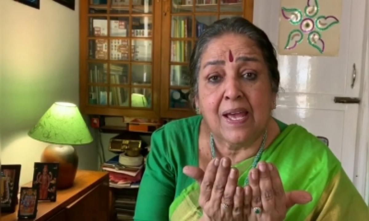 Noted South Indian Singer Kalyani Menon Passes Away-TeluguStop.com
