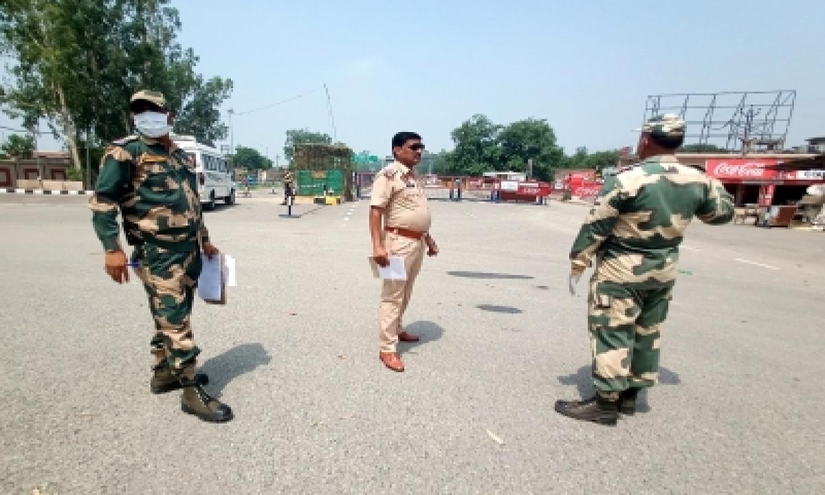 Pak Smuggler Shot Dead Along Border; 22 Kg Heroin Seized (ld)-TeluguStop.com