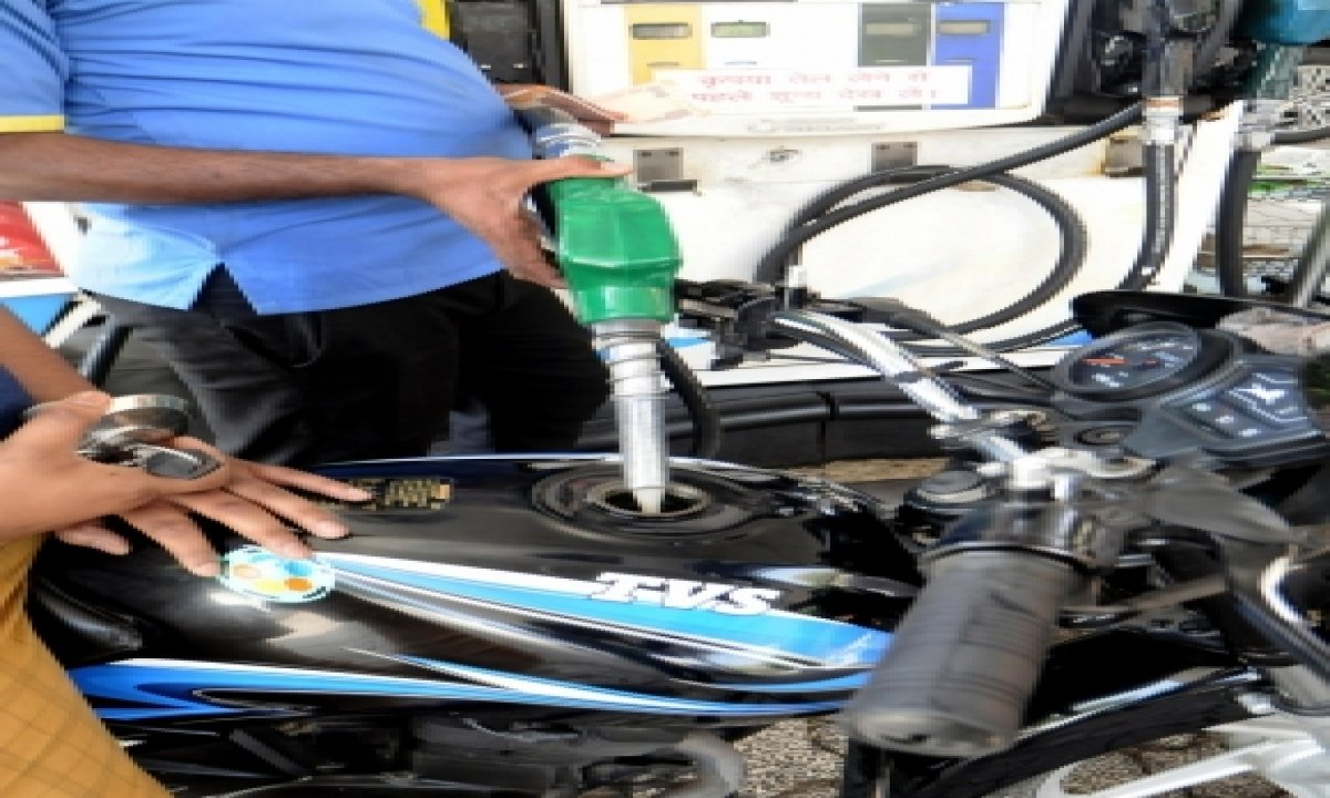 Petrol, Diesel Prices Remain Static 3 Days In A Row-TeluguStop.com