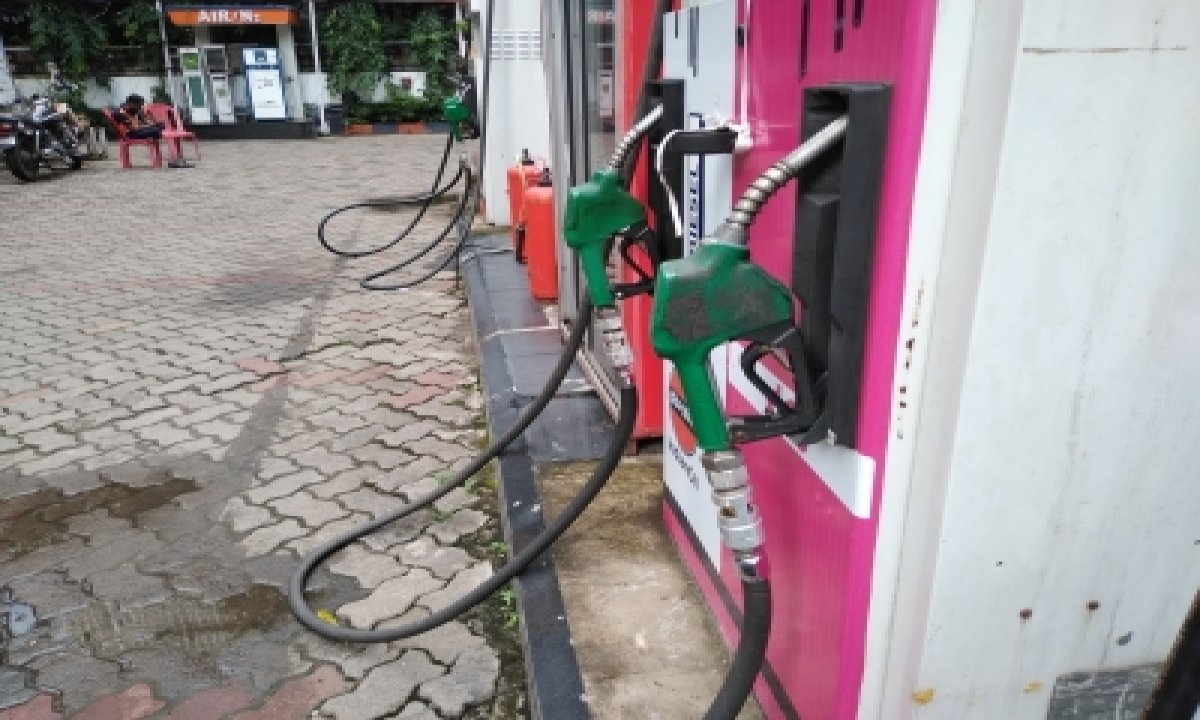 Petrol, Diesel Prices Rise On Hold For 2nd Consecutive Day – Delhi   India Mumbai News   Business-TeluguStop.com