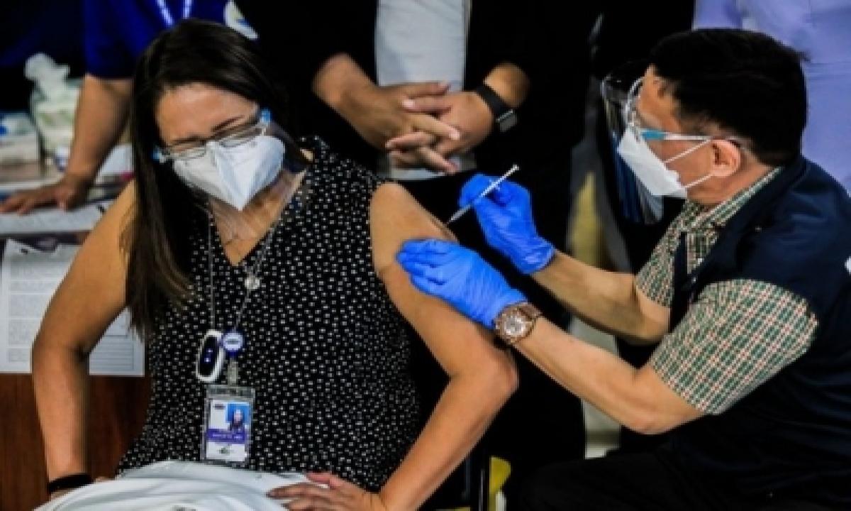 Philippines Suspends Astrazeneca Jab For People Under 60-TeluguStop.com