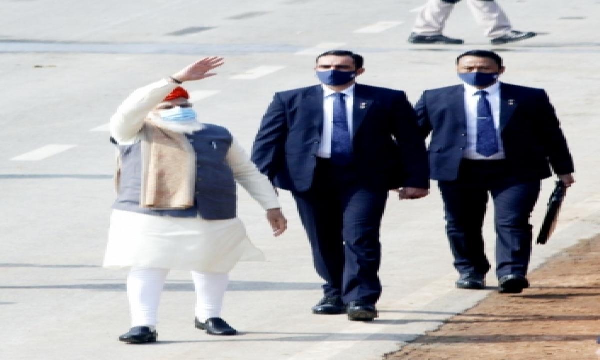 Pm Dons Turban At Republic Day Parade-TeluguStop.com