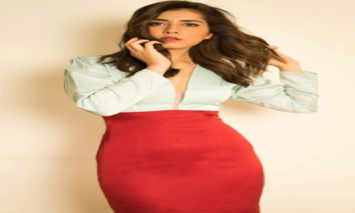 Raashii Khanna, Atul Kulkarni Join Cast Of 'rudra: The Edge Of Darkness'-TeluguStop.com