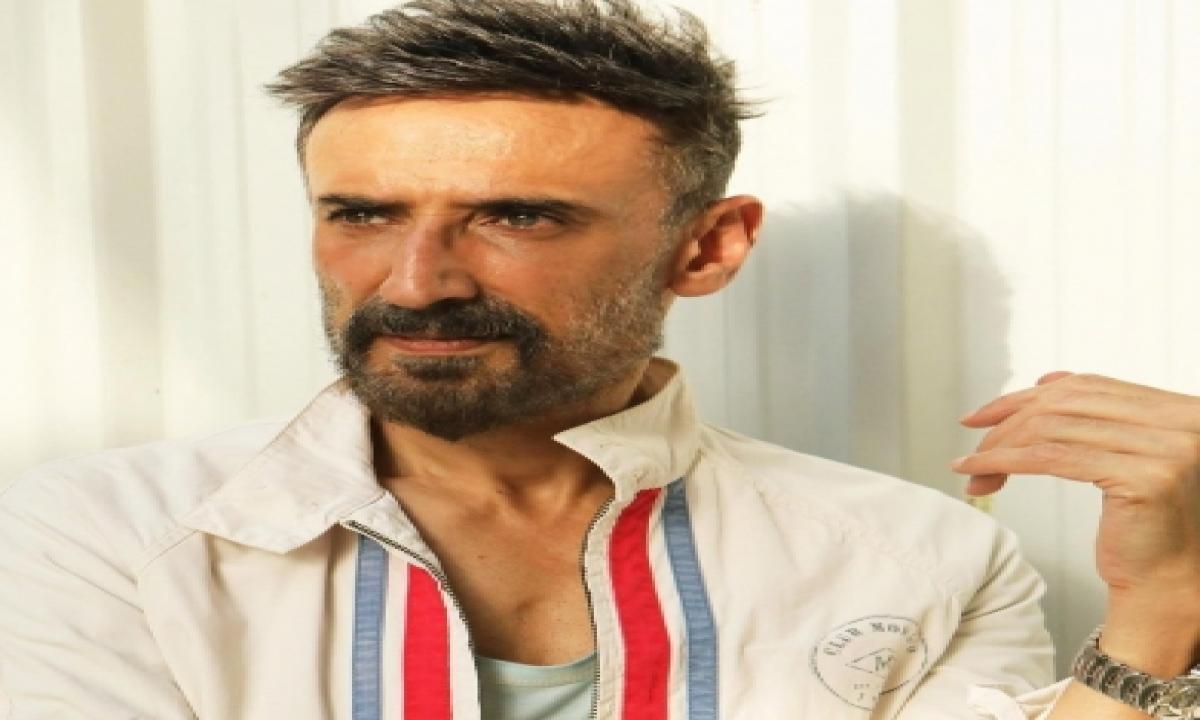 Rahul Dev Plays Blue-blood Investigating Officer In New Series-TeluguStop.com
