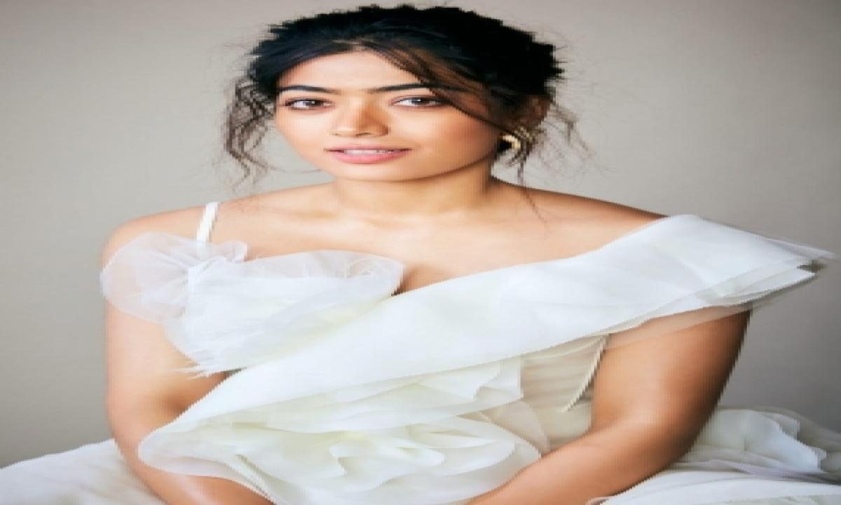 Rashmika Mandanna On 'dear Comrade' Hindi Dub Crossing 250mn Views-TeluguStop.com