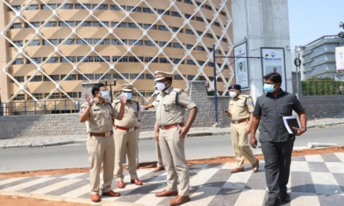 Roads Go Deserted As Lockdown Begins In Telangana-TeluguStop.com
