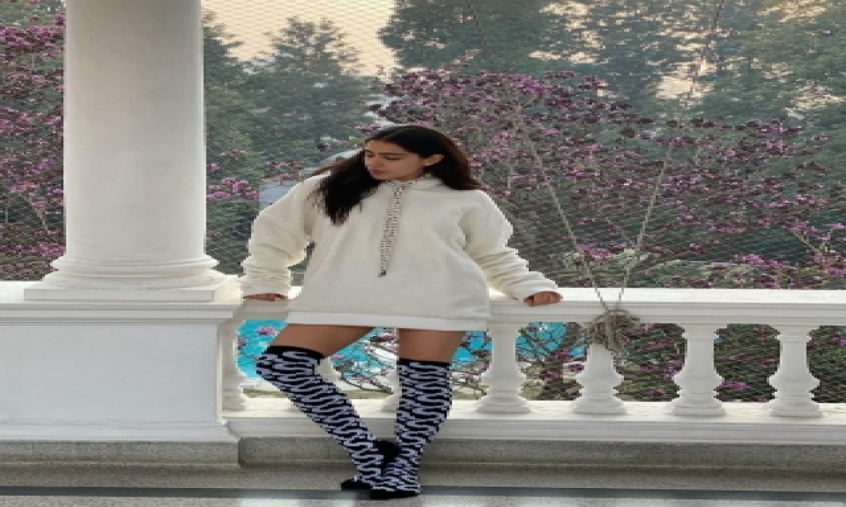 Sara Ali Khan Shares A Dash Of 'sweater Days And Winter Haze'-TeluguStop.com