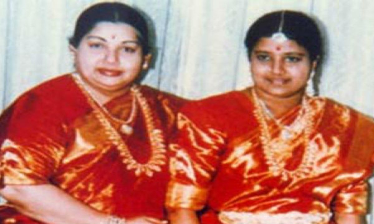 4.3 Kgs Of Gold And 601 Kgs Of Silver Found In Jayalalithaa's House-TeluguStop.com