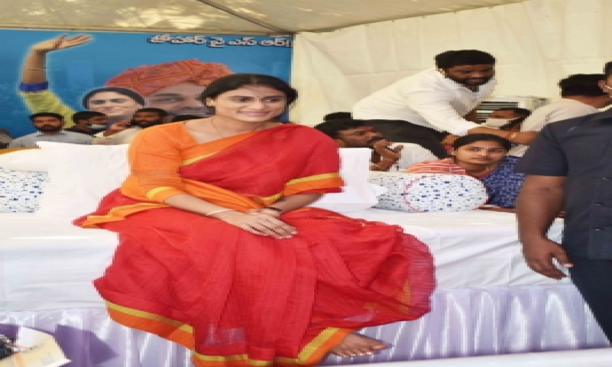 Sharmila Continues Her Fast In Hyderabad-TeluguStop.com