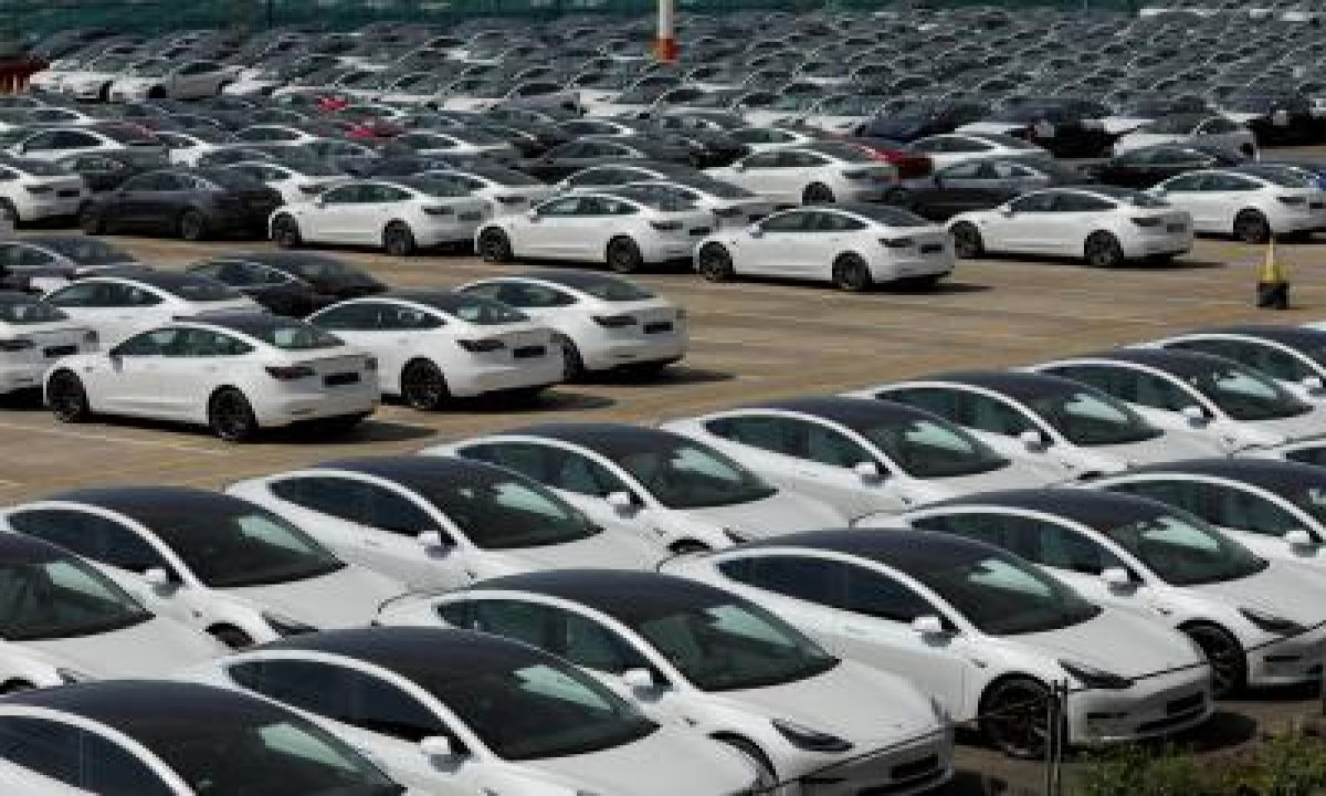 Social Distancing: Tn Govt Officials Inspect Auto Plants-TeluguStop.com