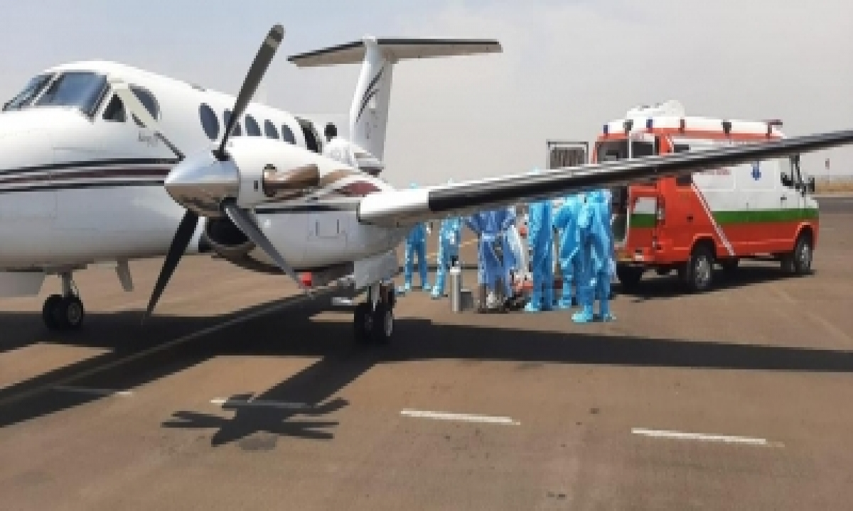 Sonu Sood Gets Critically-ill Covid Patient Airlifted From Jhansi To Hyderabad-TeluguStop.com