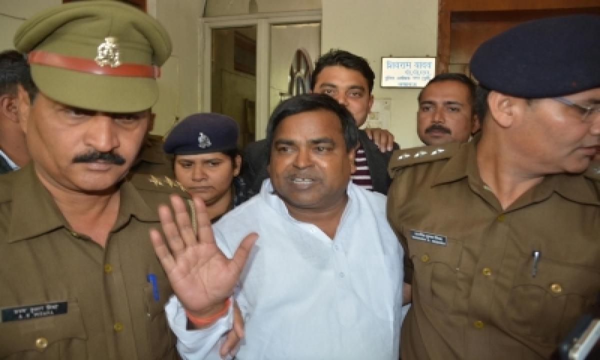 Sp Leader Gayatri Prajapati's Income Saw Sharp Spike After He Became Minister: Ed-TeluguStop.com