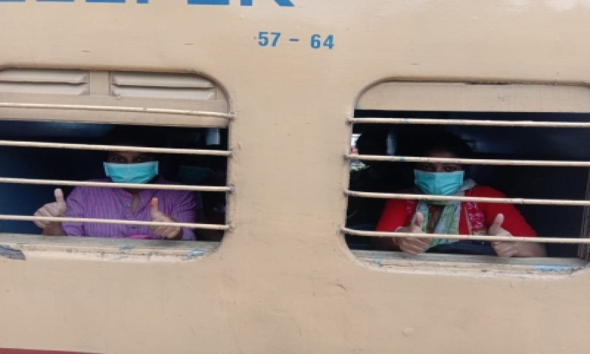 Special Trains In K'tak As Bus Strike Causes Disruptions-TeluguStop.com
