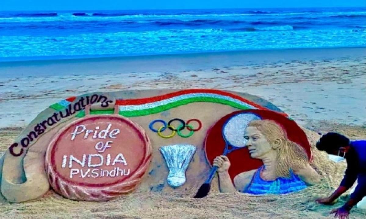 Sudarsan Pattnaik Creates Sand Art For Sindhu, Shuttler Loves It-TeluguStop.com