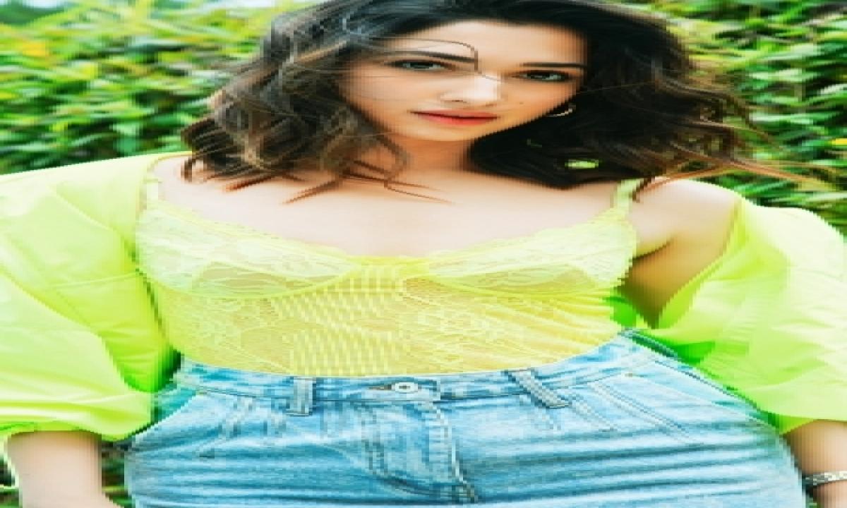 Tamannaah Shoots Special Dance Number For 'ghani'-TeluguStop.com