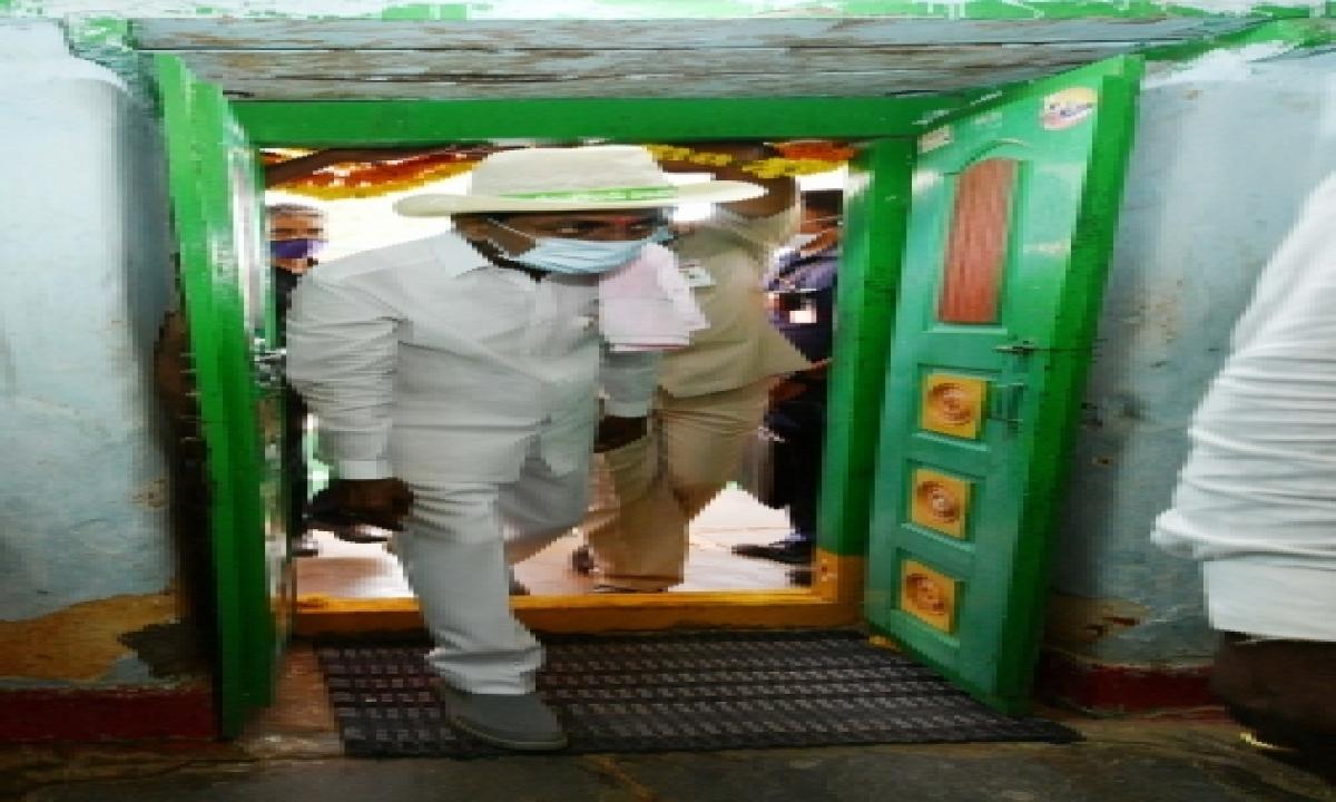 Telangana CM Visits Adopted Village, Interacts With Dalits-General-English-Telugu Tollywood Photo Image-TeluguStop.com