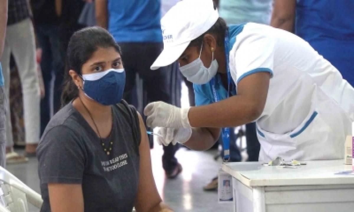 Telangana Identifies 6 Lakh People For Priority Vaccination-TeluguStop.com