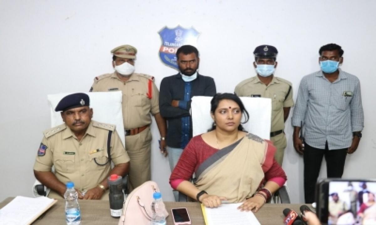 Telangana Man Held For Brutally Assaulting 3-yr-old Daughter-TeluguStop.com