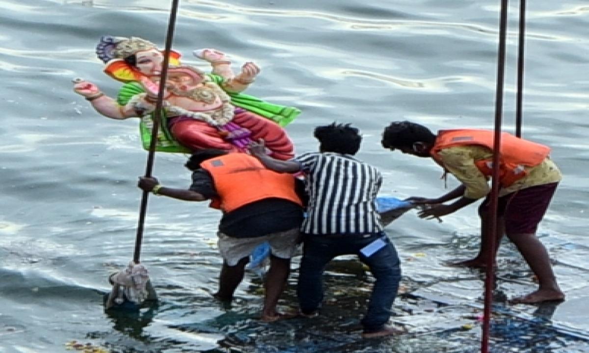 Telangana May Move Sc Over Idols Immersion Curbs-TeluguStop.com