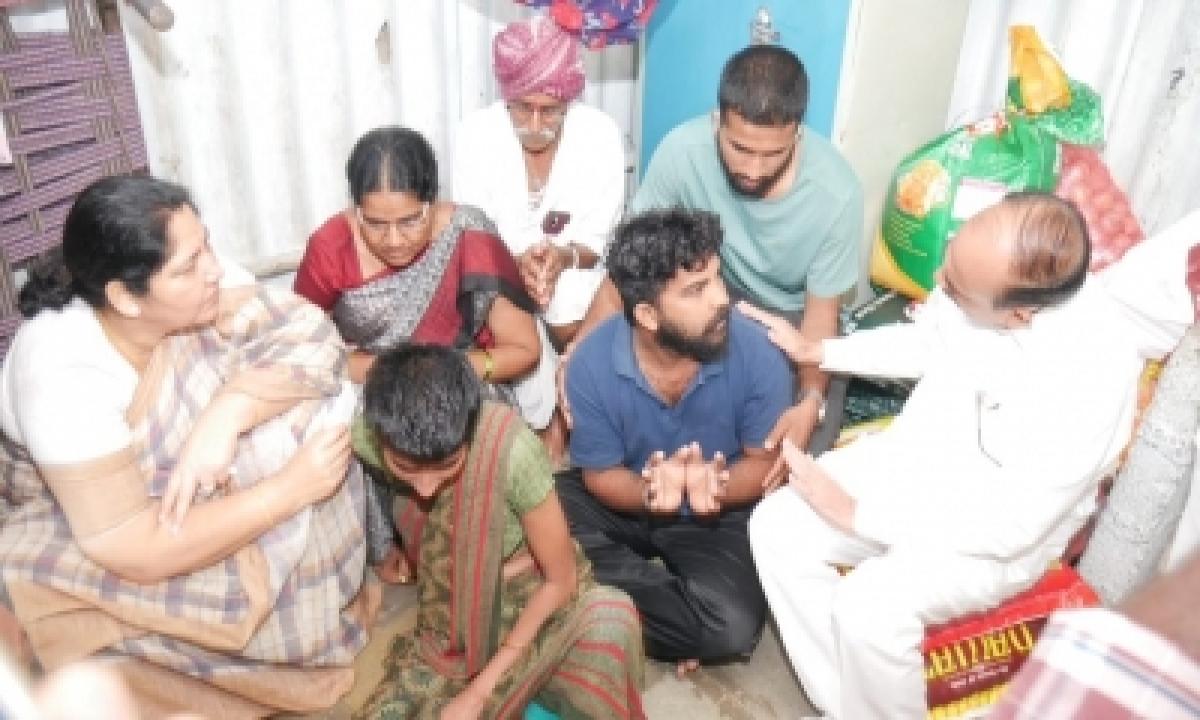 Telangana Ministers Visit Rape-murder Victim's Family-Crime News English-Telugu Tollywood Photo Image-TeluguStop.com