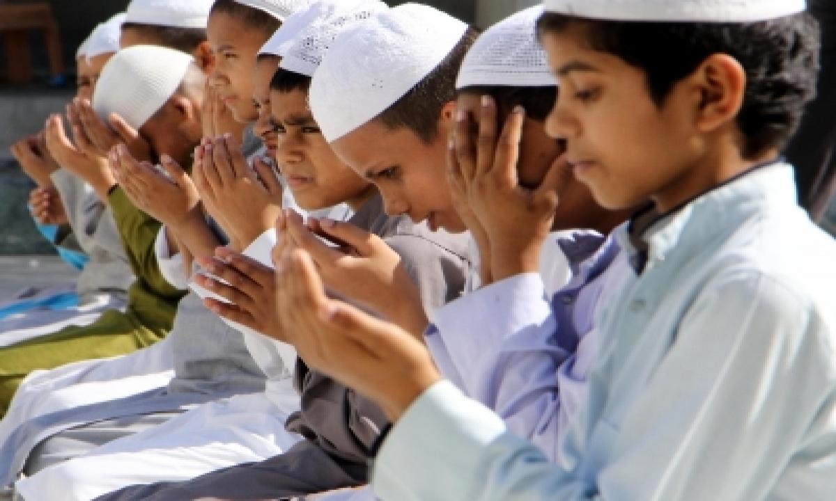 Telangana Muslim Leaders Urge Community To Offer Eid Prayers At Home-TeluguStop.com