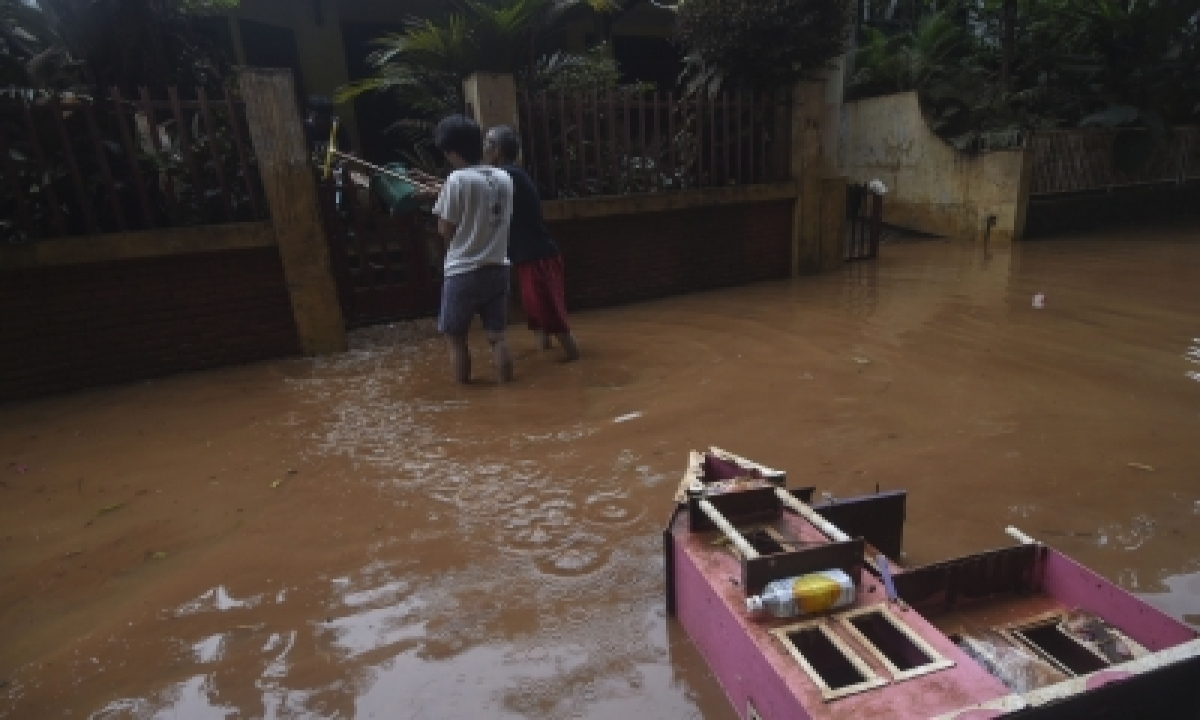 Thousands Of Houses Still Submerged In Indonesia-TeluguStop.com