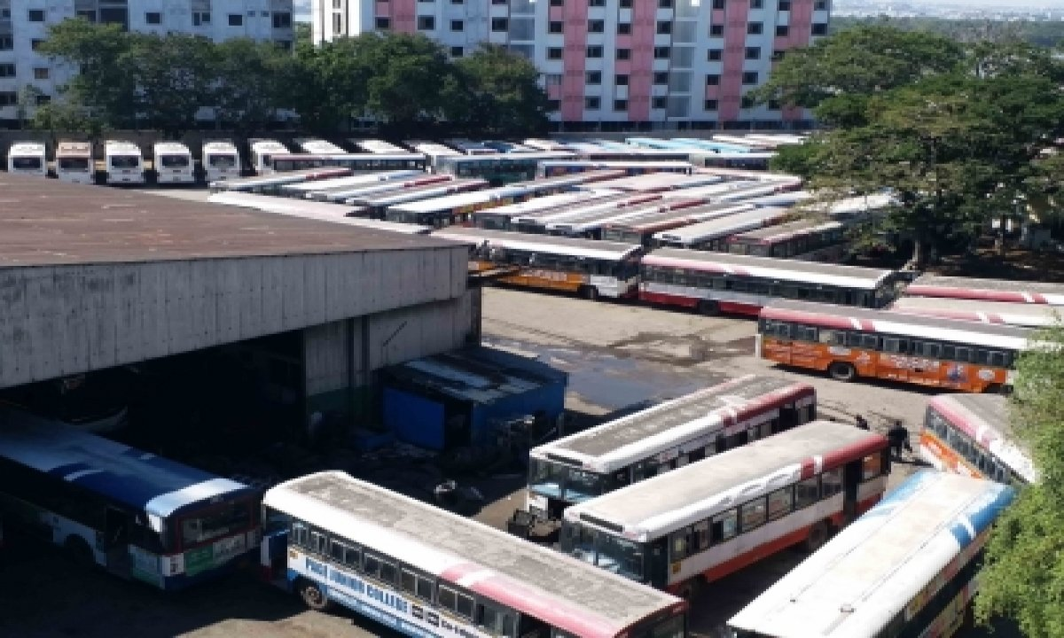 Tsrtc Restores 100 Per Cent Services In Greater Hyderabad-TeluguStop.com