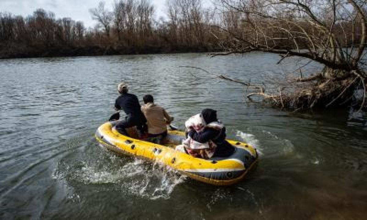 Turkey Rescues 125 Migrants 'pushed Back' By Greece – International,politics-TeluguStop.com