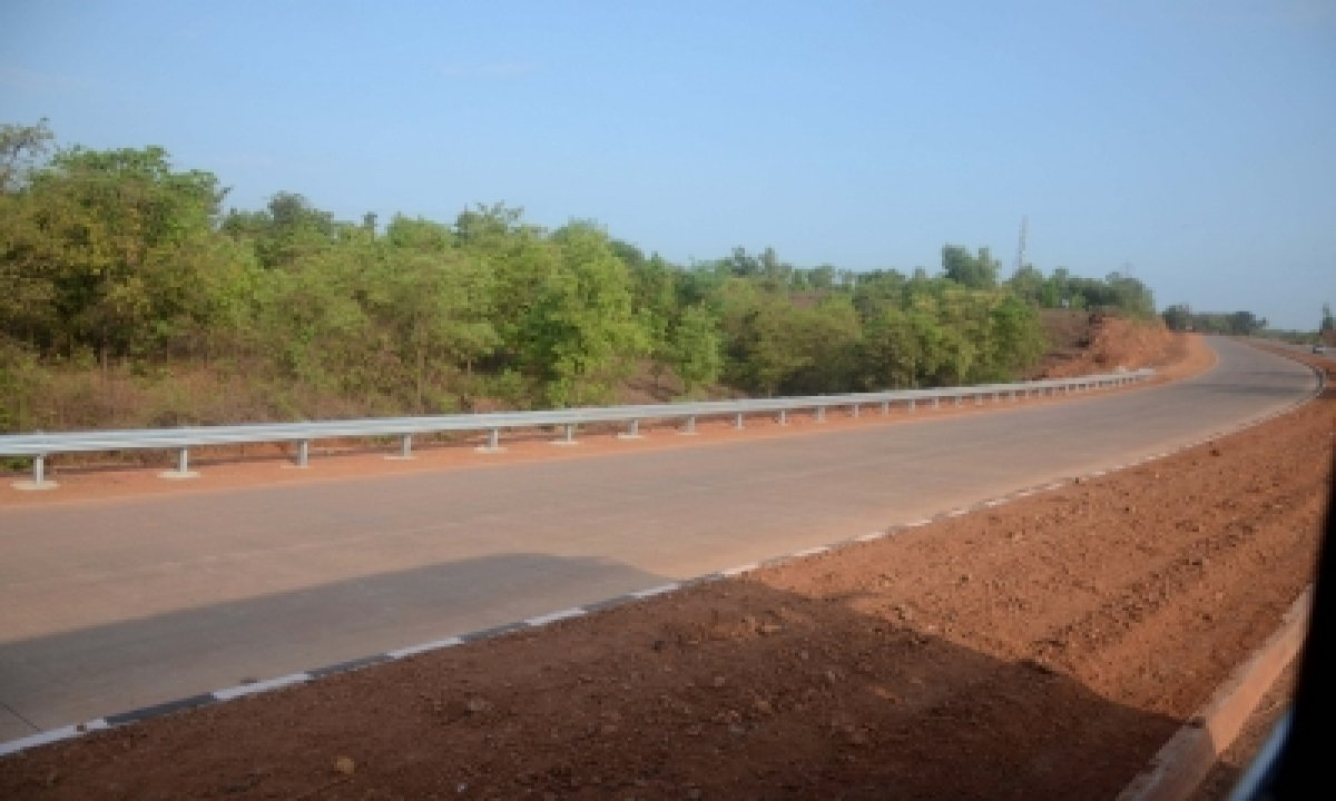 Union Fm Announces Rs 65,000 Cr To Develop 1,100 Km Of Nh Roads In Kerala-TeluguStop.com