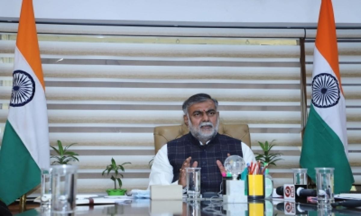 Union Minister Prahlad Visits Red Fort To Assess 'damage'-TeluguStop.com