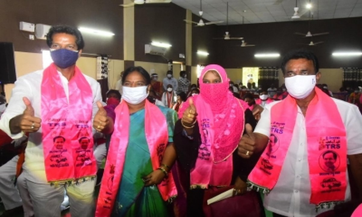 Warangal, Khammam Get Women Mayors, Deputy Mayors-TeluguStop.com