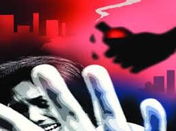Telugu 15-year-old Girl, Mumbai Marg, Nasheman Urdu School, Principal Acid Attack, Student, యాసిడ్ దాడి-