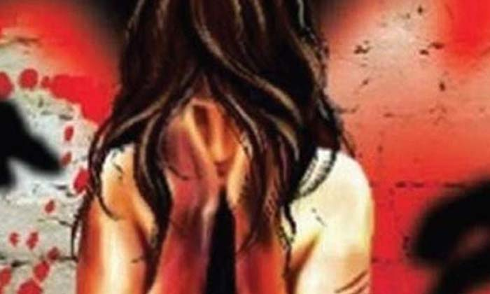14 Years Old Girl Pregnant By Her Cousin Brother In Punjab-TeluguStop.com