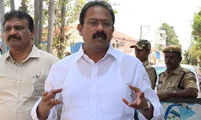 Telugu Alla Nani, Alla Nani Attender, Ap Minister, Corona Positive-Telugu Political News