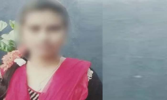 Newly Married Bride Commits Suicide In Hyderabad-TeluguStop.com