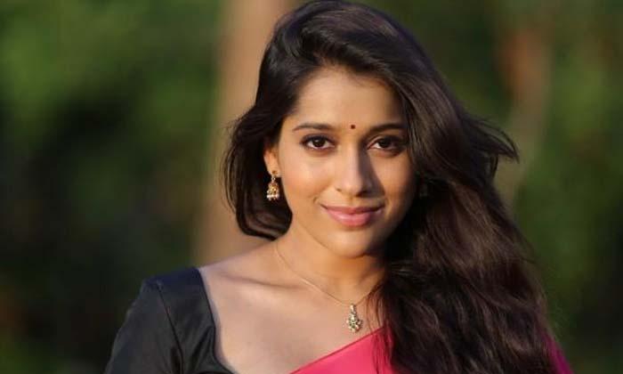 Telugu Heroine Rashmi Gautam React About Her Bold Character Movie Offers-TeluguStop.com