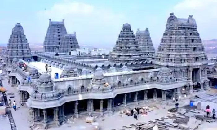 Yadadri Lakshmi Narasimha Temple-TeluguStop.com