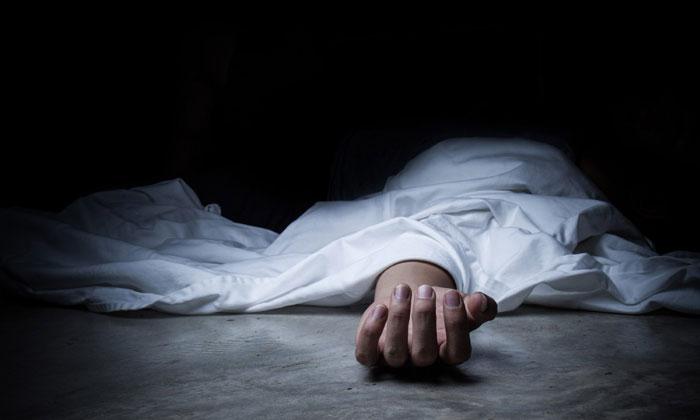 Butchers Husband Brutally Kills Wife-TeluguStop.com