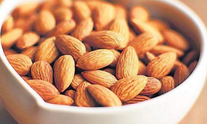 Soaked Almonds Almonds Eat Almonds Health Health Tips-నానబెట్టిన బాదం తినొచ్చా.. ఖచ్చితంగా తెలుసుకోండి-Telugu Health - తెలుగు హెల్త్ టిప్స్ ,చిట్కాలు-Telugu Tollywood Photo Image-TeluguStop.com
