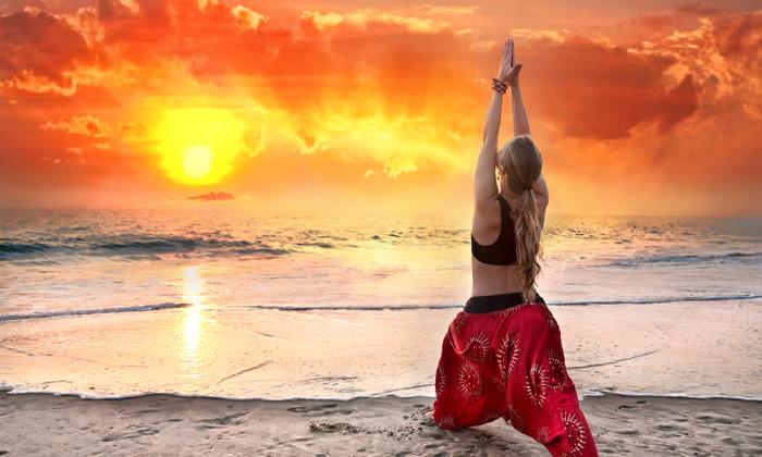 Health Benefits Of Surya Namaskar-పది నిమిషాలు సూర్య నమస్కారాలు చేస్తే ఎన్ని బెనిఫిట్సో తెలుసా-Latest News - Telugu-Telugu Tollywood Photo Image-TeluguStop.com