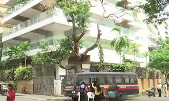 Another Notice To Kangana Ranaut From Bmc-TeluguStop.com